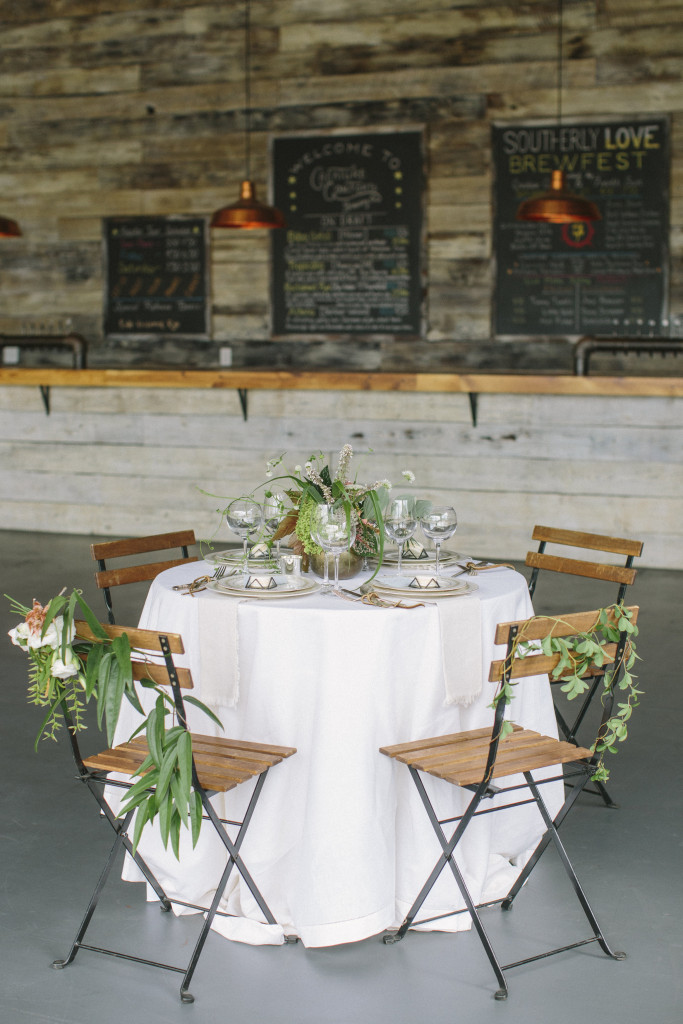 Image by Lauren Carnes via Chancey Charm Weddings
