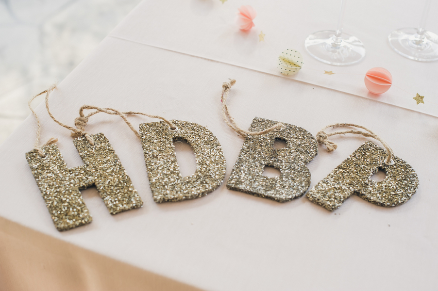 Gold glittery wedding decor