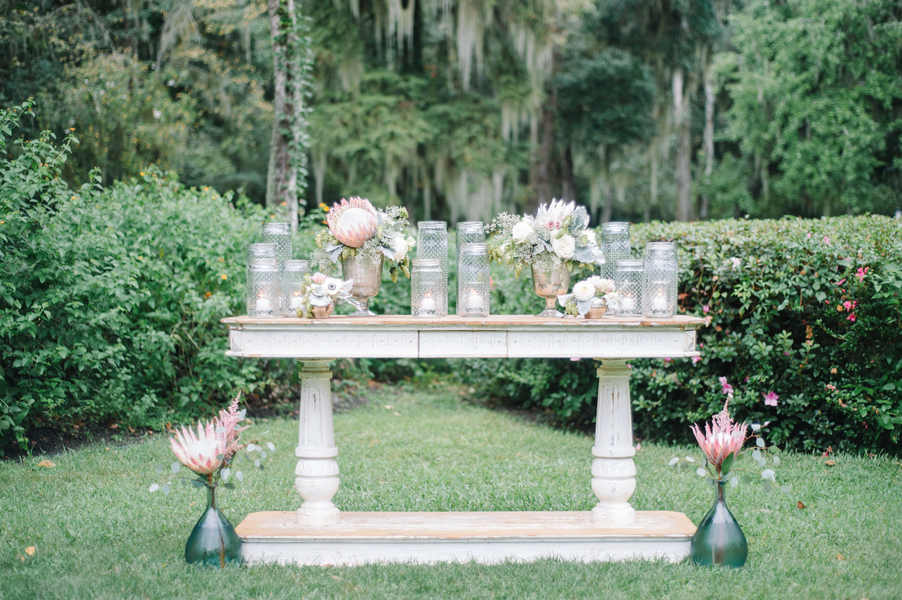 Outdoor Charleston Wedding Ceremony alter