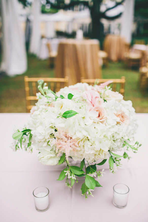Charleston wedding hydrangea centerpieces at William Aiken House