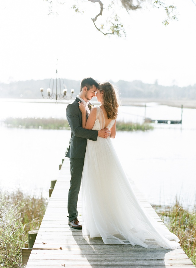 Charleston wedding styling at RiverOaks by Faith Teasley Photography