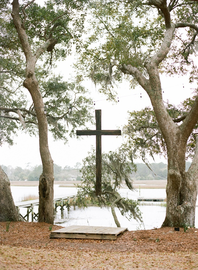 Wooden ceremony wedding cross in Charleston, SC at RiverOaks
