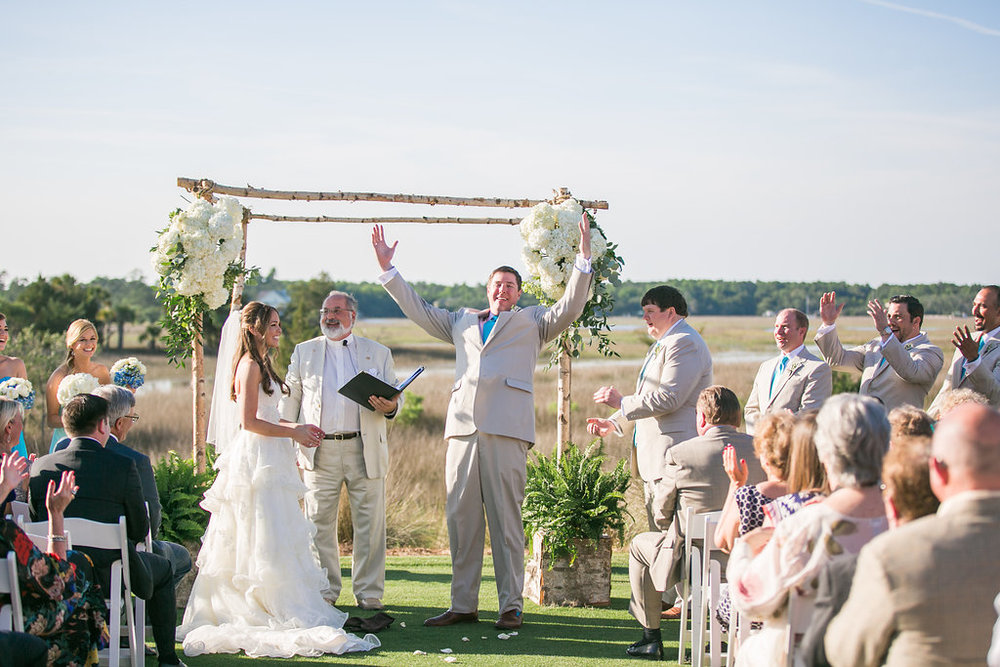 Charleston wedding ceremony at Daniel Island Club by Carolina Photosmith