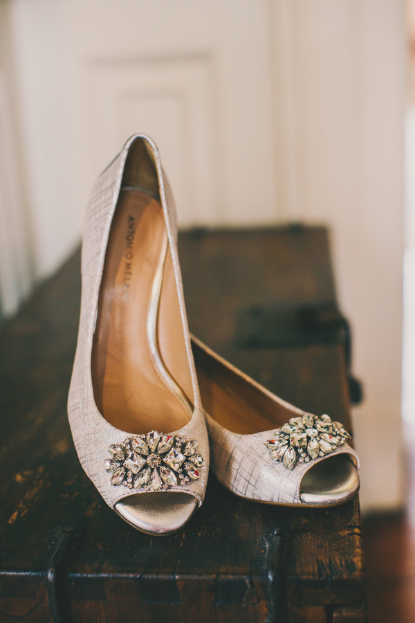 Charleston wedding shoes at Thomas Bennett House by Hyer Images