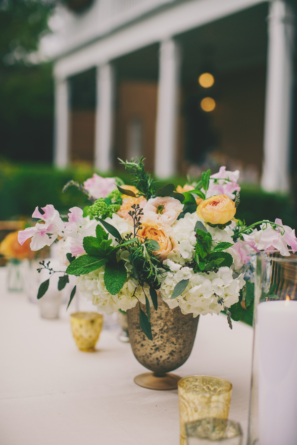 Charleston wedding flowers at the Thomas Bennett House by Hyer Images