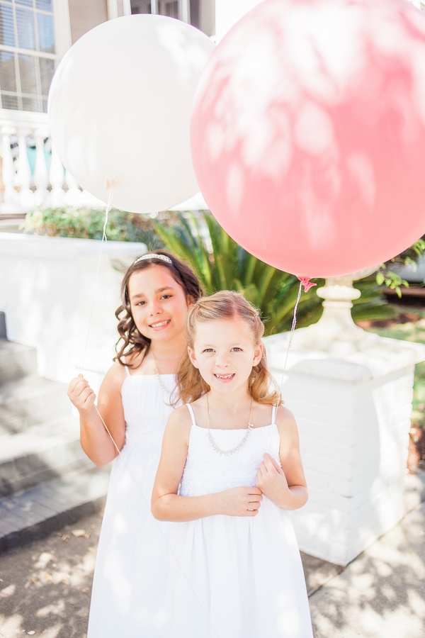 Charleston wedding flower girls with balloons