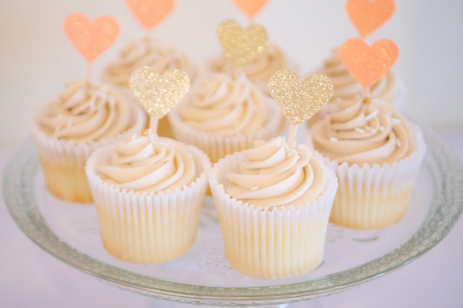 Cupcakes at Wedding in Charleston, SC at Charleston Yacht Club by Stacy Howell Photography