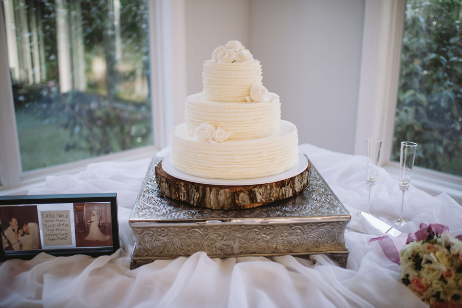 Southern Wedding Cake at 403 North Lake Events by Alyson Taylor Events