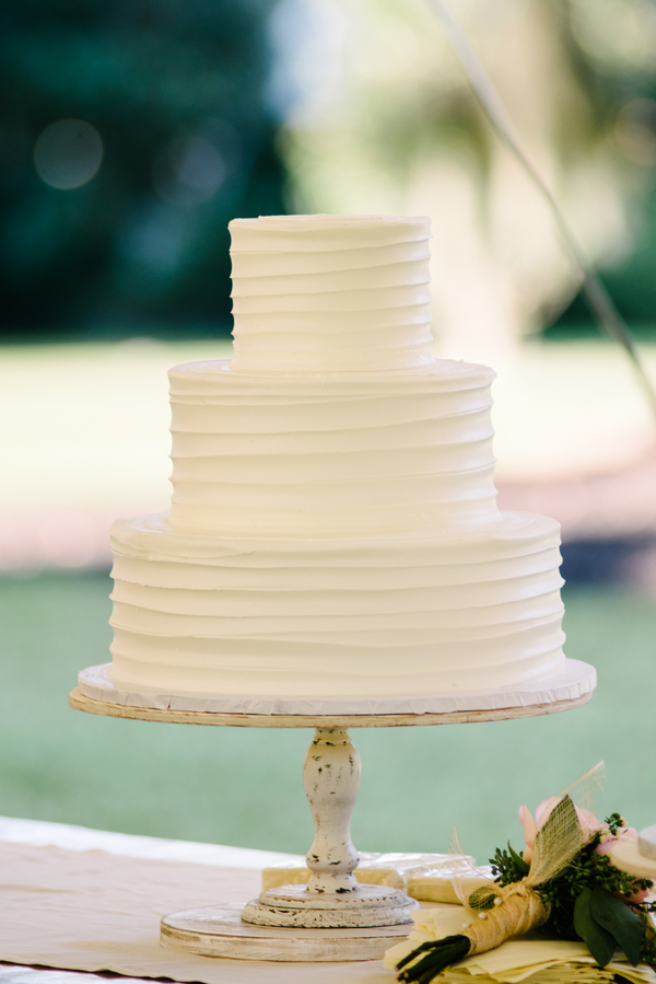 Harrietta Plantation wedding cake in McClellanville, SC by Riverland Studios