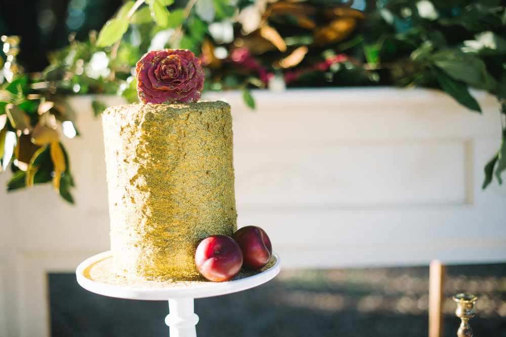 Gold+and+Cranberry+Belfair+Plantation+Wedding+Inspiration+by+Ivory+++Beau+and+Rach+Loves+Troy+Photography (1).jpg