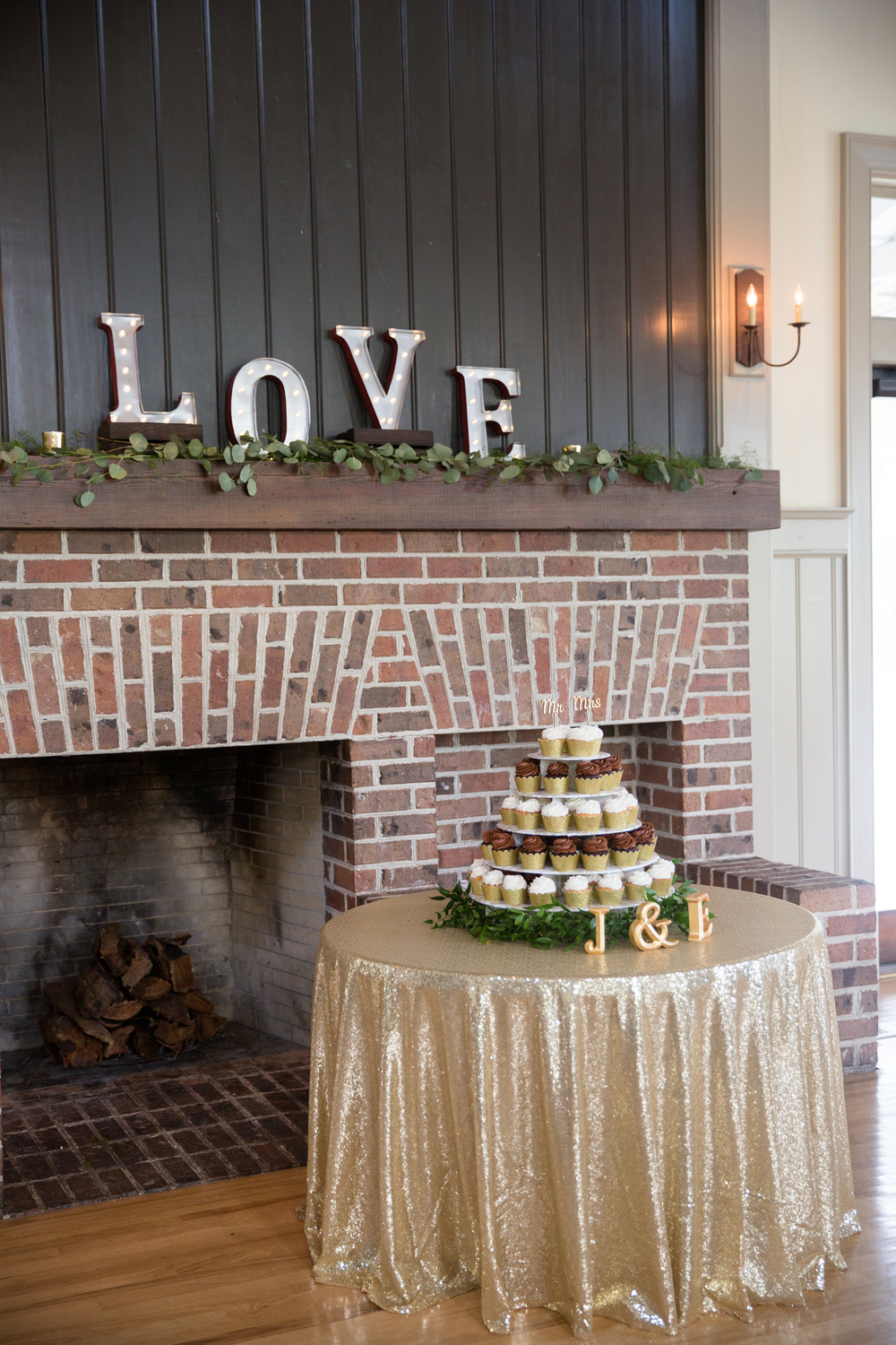 Erica + Jay's Creek Club at I'On wedding by MOD Events