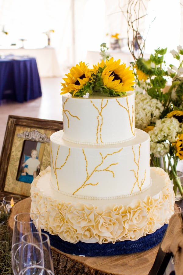 Sunflower cake from Ashley Bakery at Island House wedding