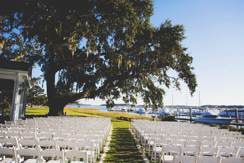 Lindsey + Justin's Savannah Yacht Club wedding by Erin Rene Photography
