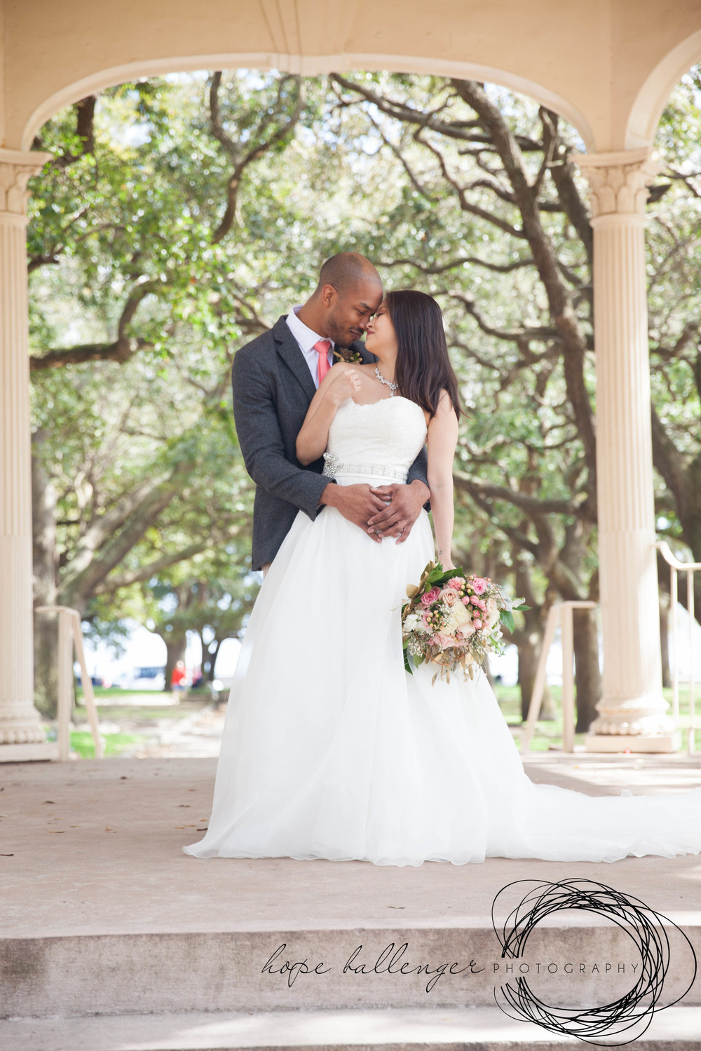 White Point Gardens wedding elopement in Charleston, SC by Hope Ballenger Photography