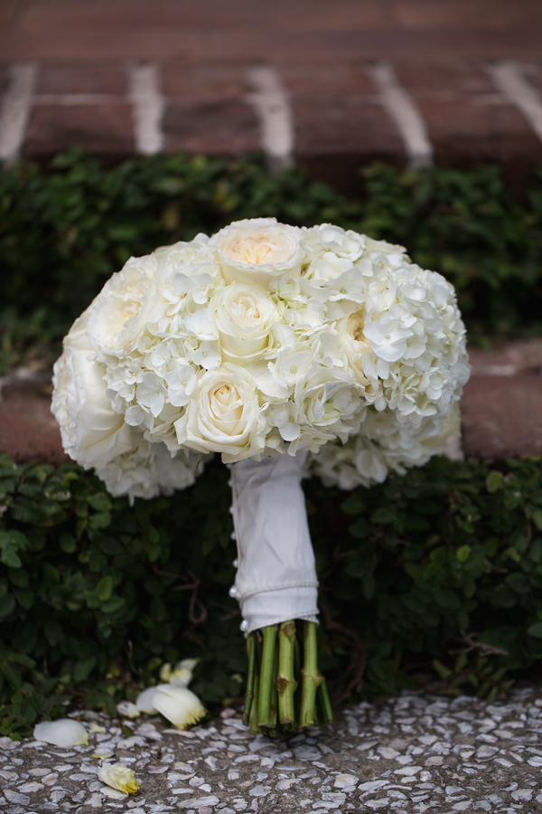White hydrangea and rose bouquet by by Grace Hill Photography