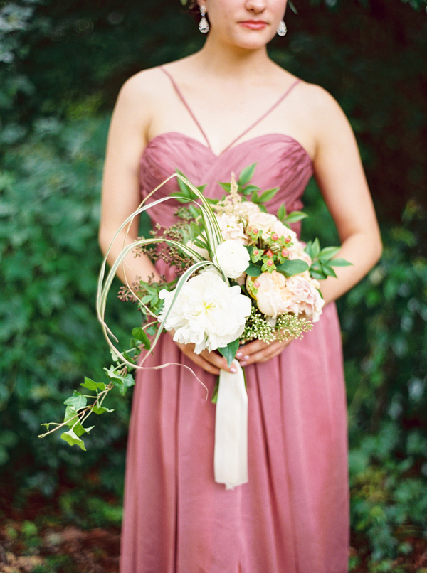 Garden style wedding bouquets by Confetti of Charleston at McLeod Plantation