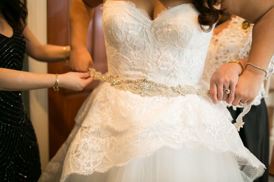 Savannah, GA wedding dress by Anna and Spencer Photography