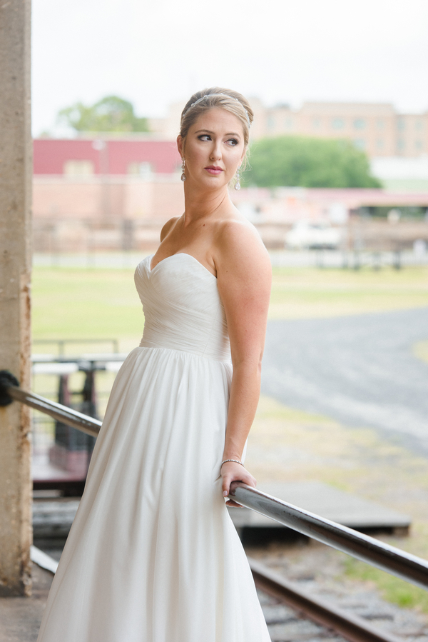 Lowcountry wedding in SAvannah, GA at The Georgia State Railroad Museum