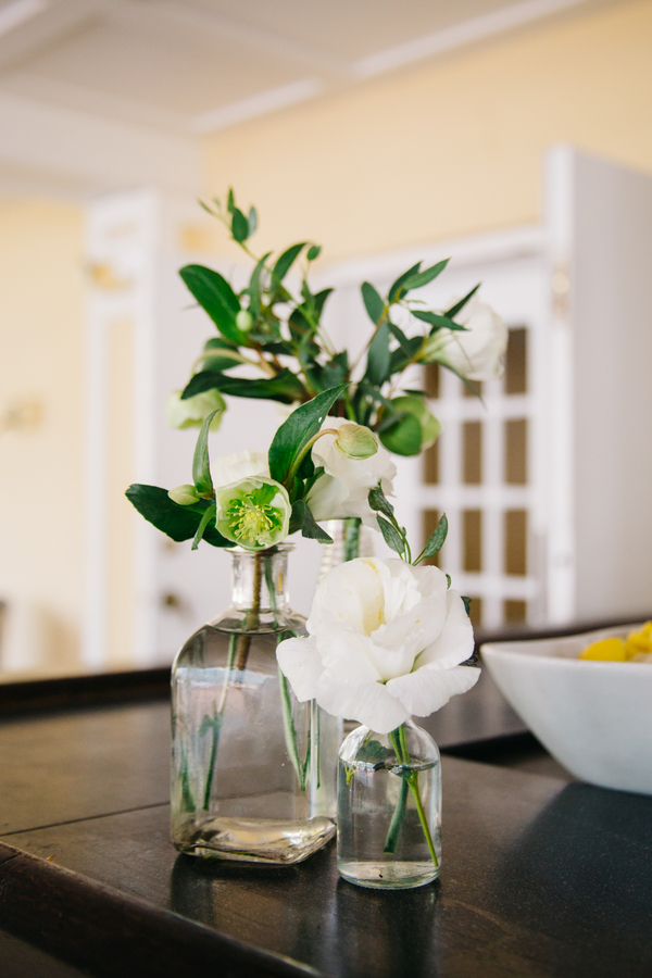 White blooms by Charleston Flower Market at The Harbour Club