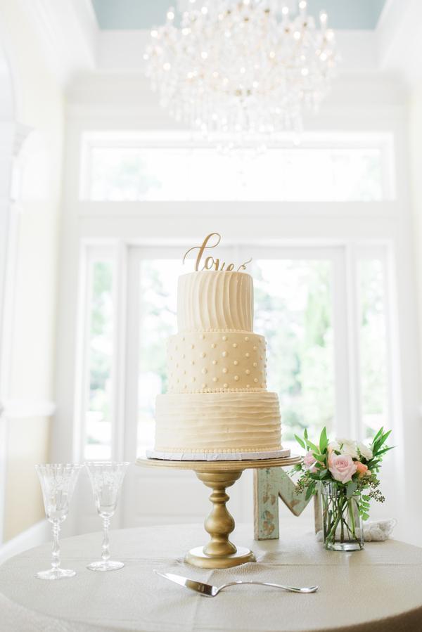Savannah Wedding Cake at The Tybee Chapel by Georgia Vendors Priscilla Thomas Photography