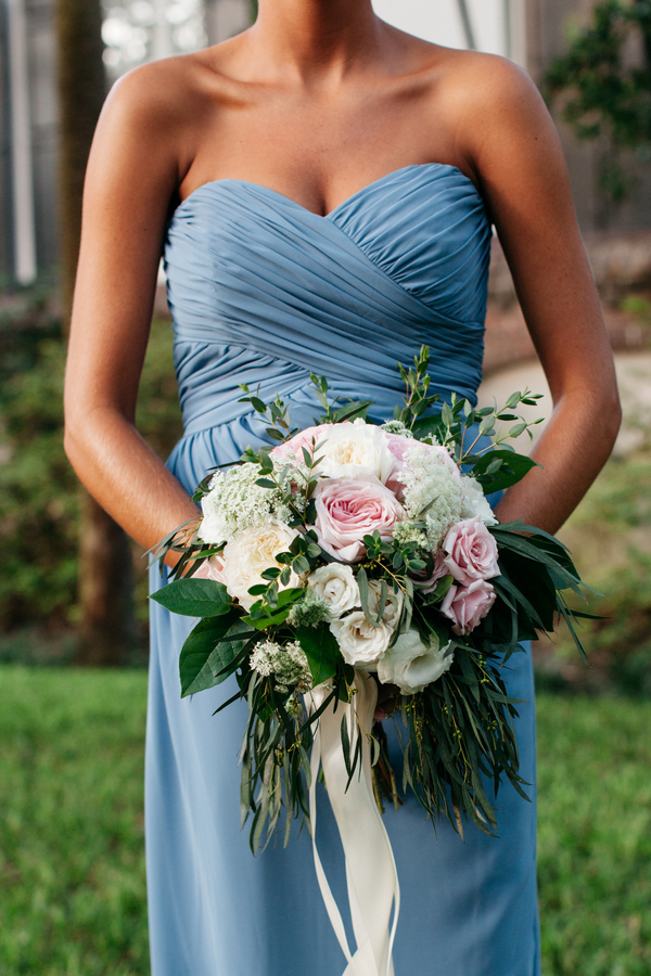 Garden-style wedding bouquet in Charleston, SC by The Flower Cottage