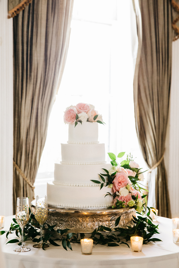 Charleston wedding cake at The Hibernian Hall
