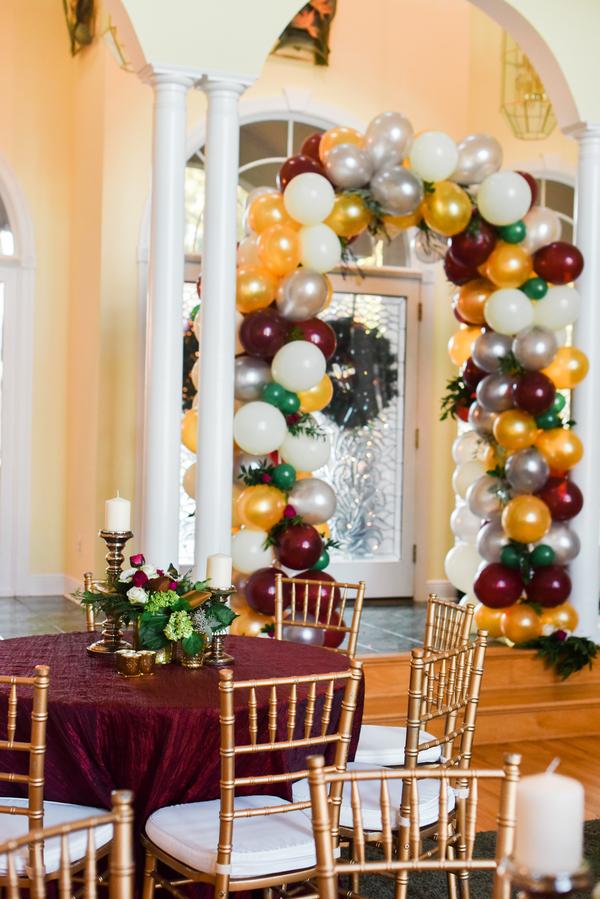 Surprise Holiday wedding in Savannah, GA by Donna Von Bruening