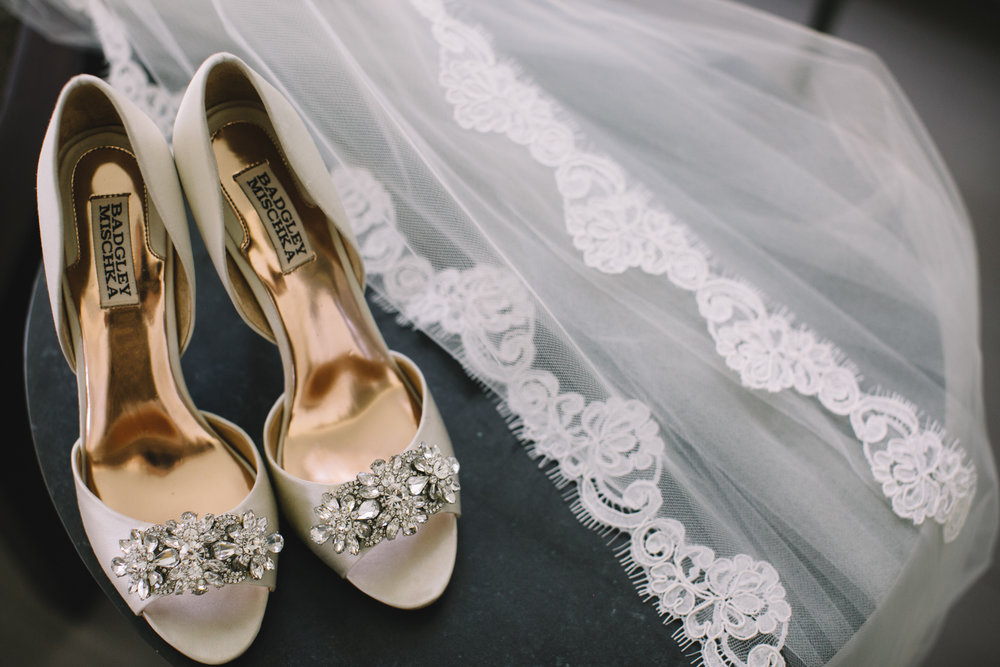 Chris + Ali's Palmetto Bluff wedding in Bluffton, Sc by Jennings King Photography and Kelli Corn