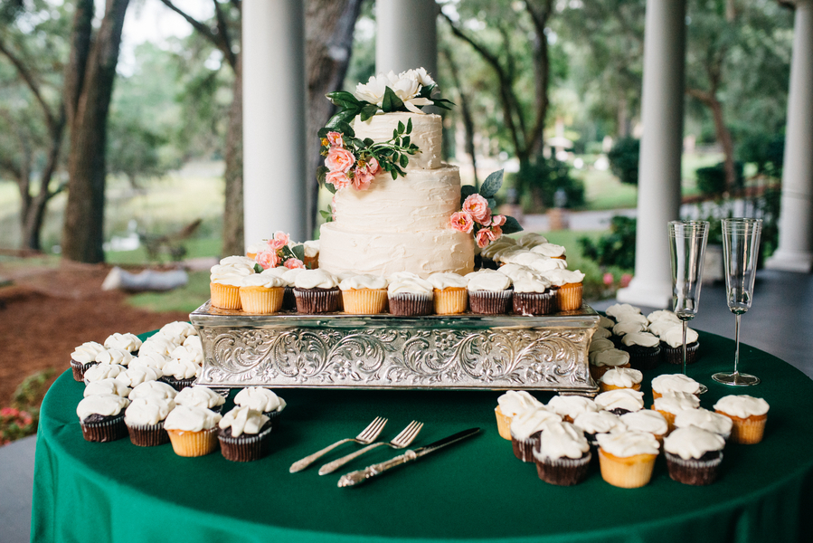 Rustic wedding cake in Charleston, SC
