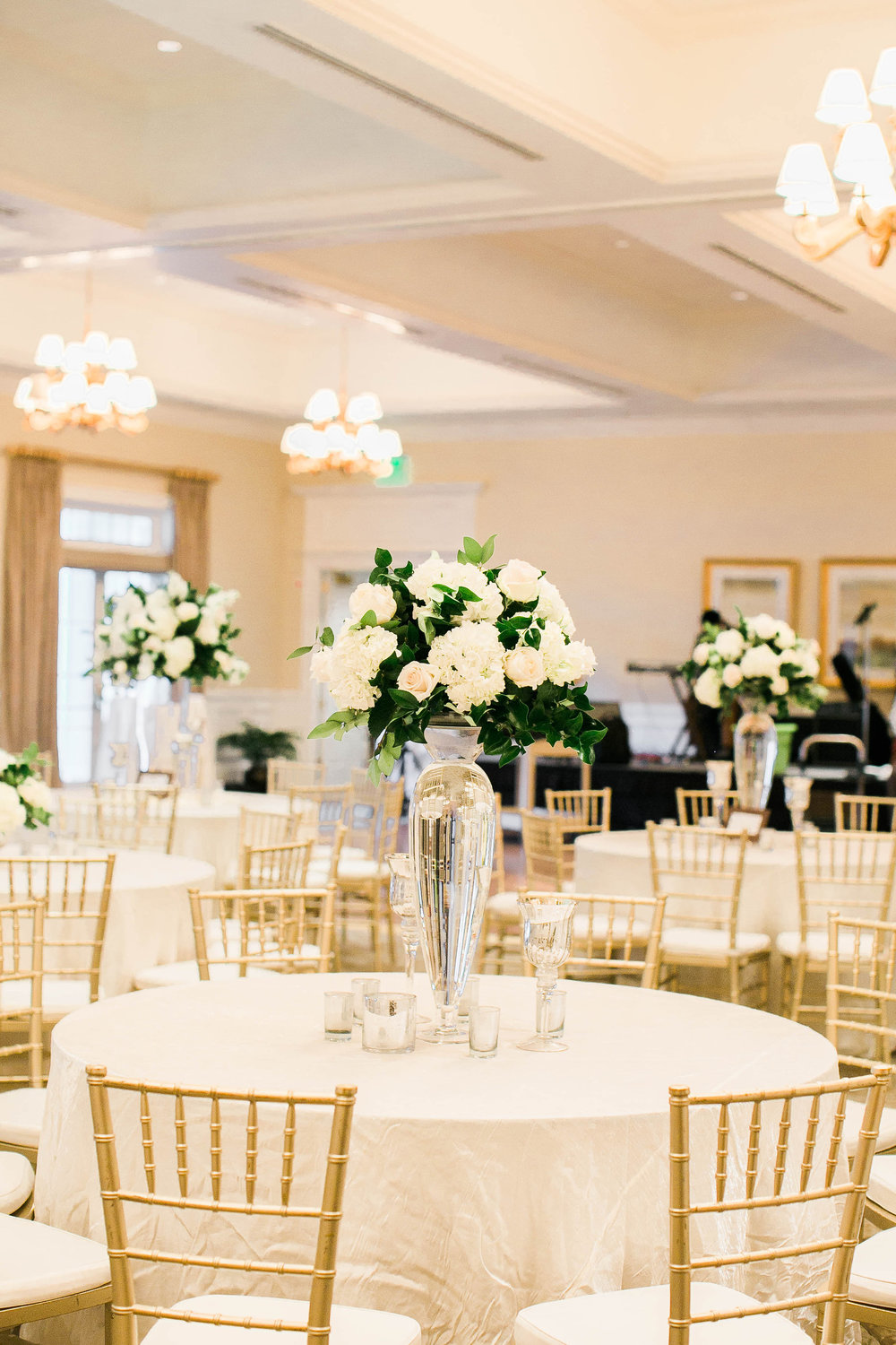 Gold and White Savannah Golf Club wedding by Sincerely Yours Events