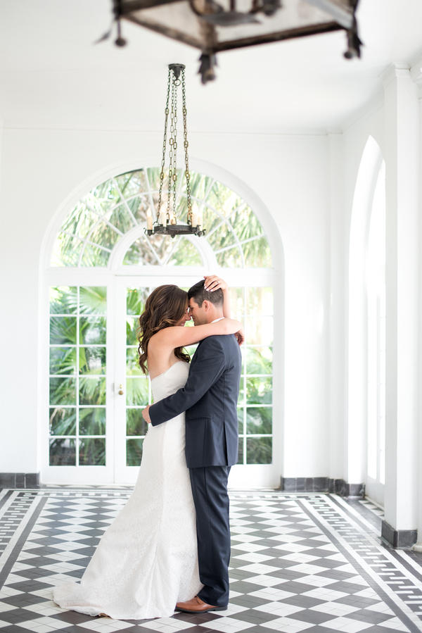 Lowndes Grove Plantation wedding in Charleston, SC by Lindsey Leigh Photography