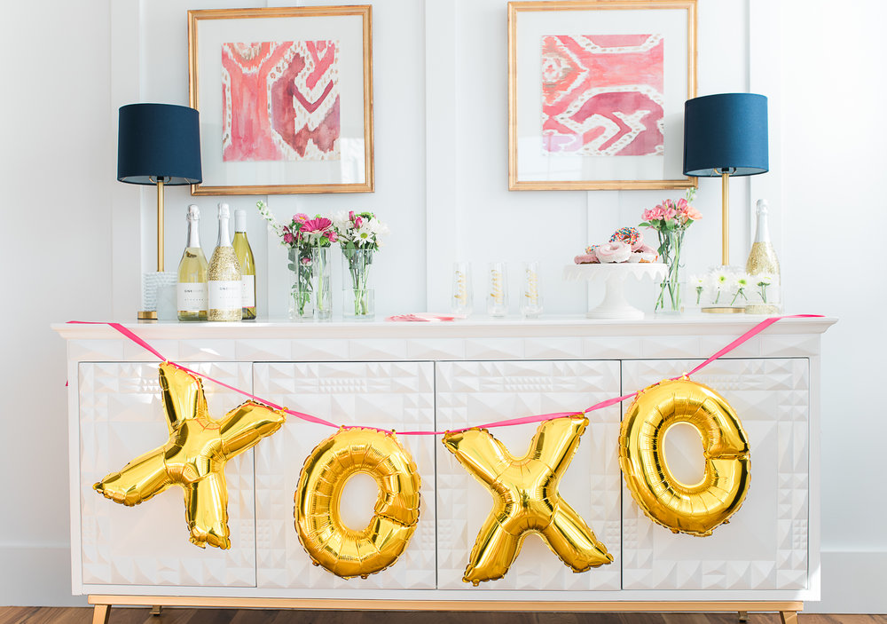 X & O Gold inflatable balloons from The Cannonborough Collective  //  Charleston photos by Aneris Photography //  on A Lowcountry Wedding Magazine