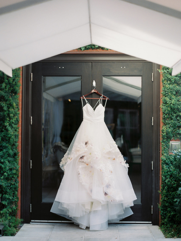 Paige gown by Hayley Paige //  Savannah wedding photos by Alison Epps Photography  //  A Lowcountry Wedding Magazine & Blog