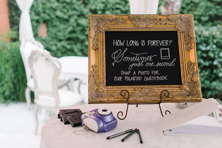 Hand lettered wedding signs by Low Country Paper Co.  //  Savannah wedding photos by Alison Epps Photography  //  A Lowcountry Wedding Magazine & Blog