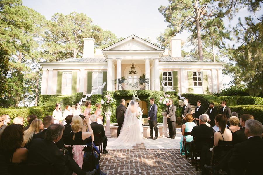 Outdoor wedding ceremony at The Oldfield River Club  //  Hilton Head wedding photos by Christi Clark Photography  //  A Lowcountry Wedding Magazine & Blog