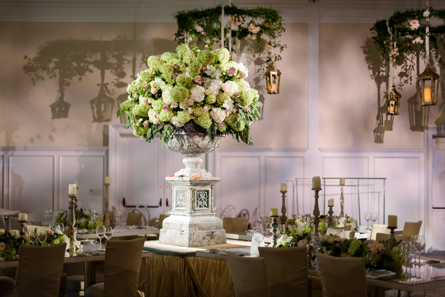 Green and white hydrangea centerpieces at Palmetto Bluff in Bluffton, South Carolina designed by Todd Events  //  Hilton Head Island wedding photos by Donna Von Bruening  //  A Lowcountry Wedding Magazine & Blog