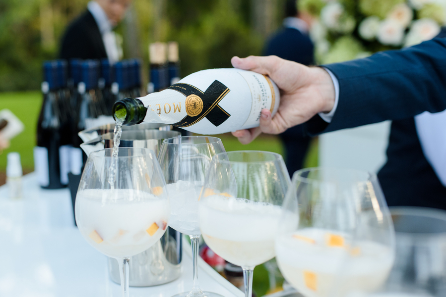 Specialty drinks at outdoor cocktail hour  //  Hilton Head Island wedding photos by Donna Von Bruening  //  A Lowcountry Wedding Magazine & Blog