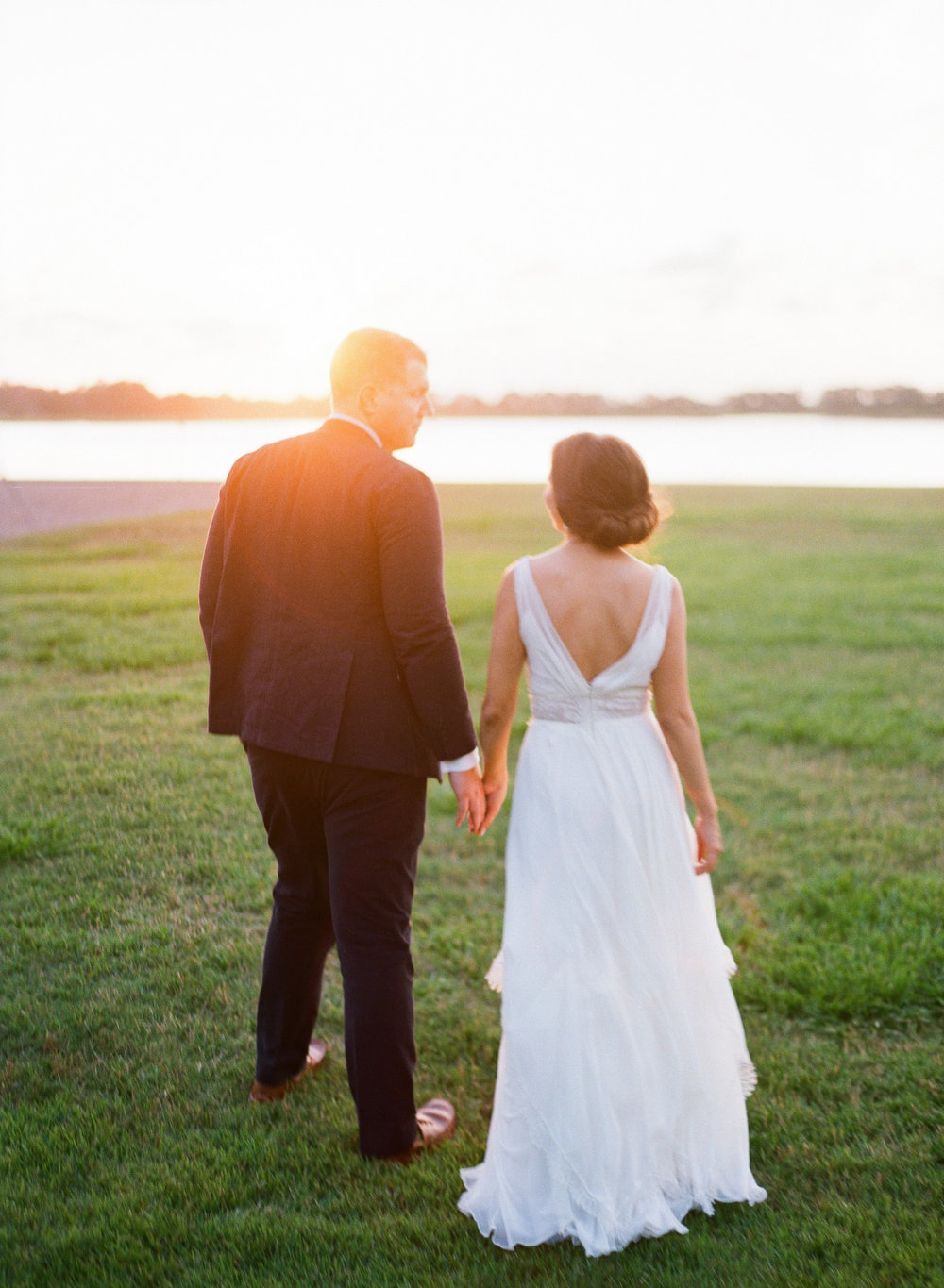 Wedding portraits at The Island House on Johns Island SC  //  Charleston wedding photos by Lauren Jonas Photography