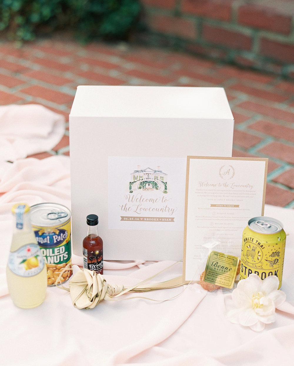Custom Hilton Head wedding bag with stationery from Studio R for wedding at Oldfield Club