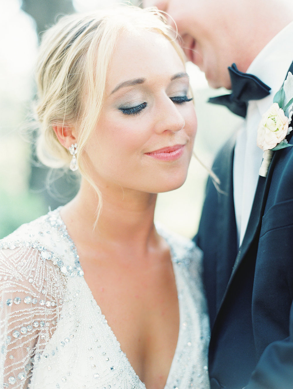 Wedding portraits at Oldfield Club  //  HIlton Head photography by Landon Jacobs  //  A Lowcountry Wedding Magazine