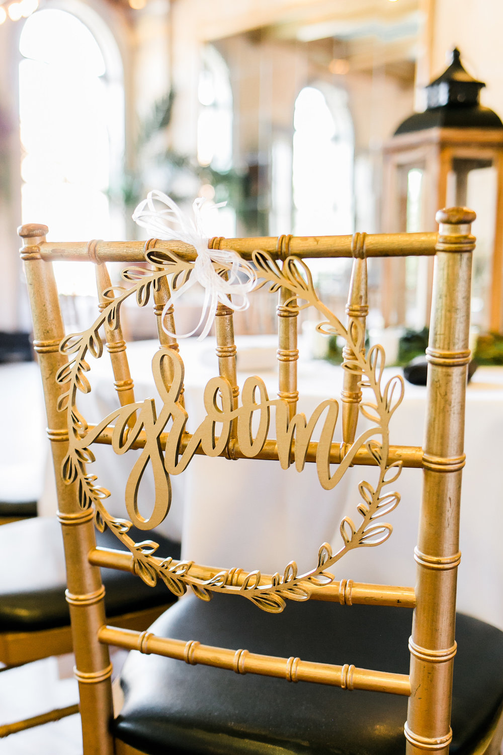 Gold reception decor in Savannah GA  //  A Lowcountry Wedding Magazine