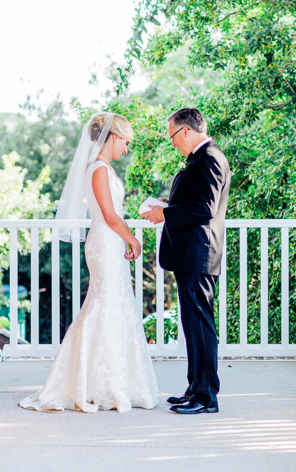 Myrtle Beach bride's first look with her father at The DeBordieu Club photographed by Corina Silva Studios