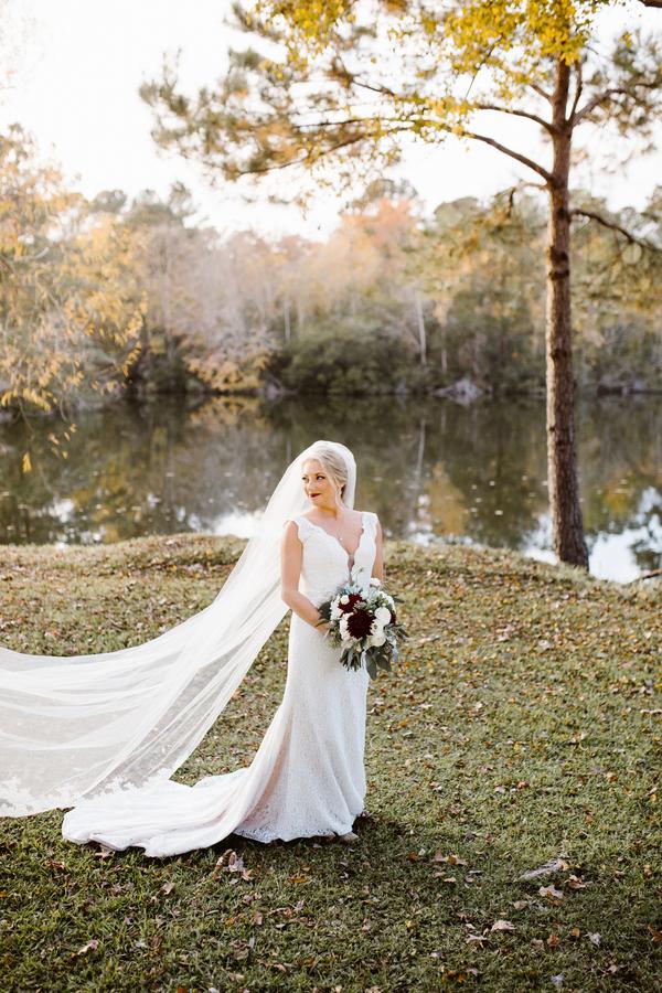 Savannah bride at Red Gate Farms  //  A Lowcountry Wedding Magazine