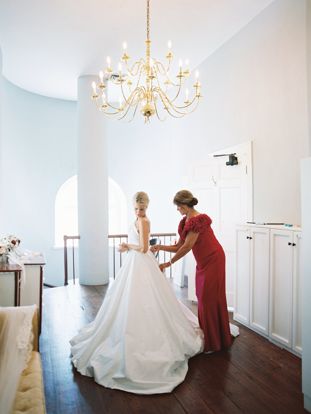 Charleston Bride in a Romona Keveaz gown from Maddison Row  //  Wedding photography by Landon Jacob  //  A Lowcountry Wedding Magazine