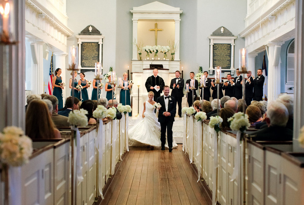 Wedding ceremony at First Baptist Church of Charleston  //  photography by Landon Jacob  //  A Lowcountry Wedding Magazine