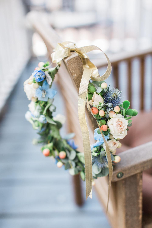 Floral crown by Urban Poppy for wedding in Savannah GA //  A Lowcountry Wedding Magazine