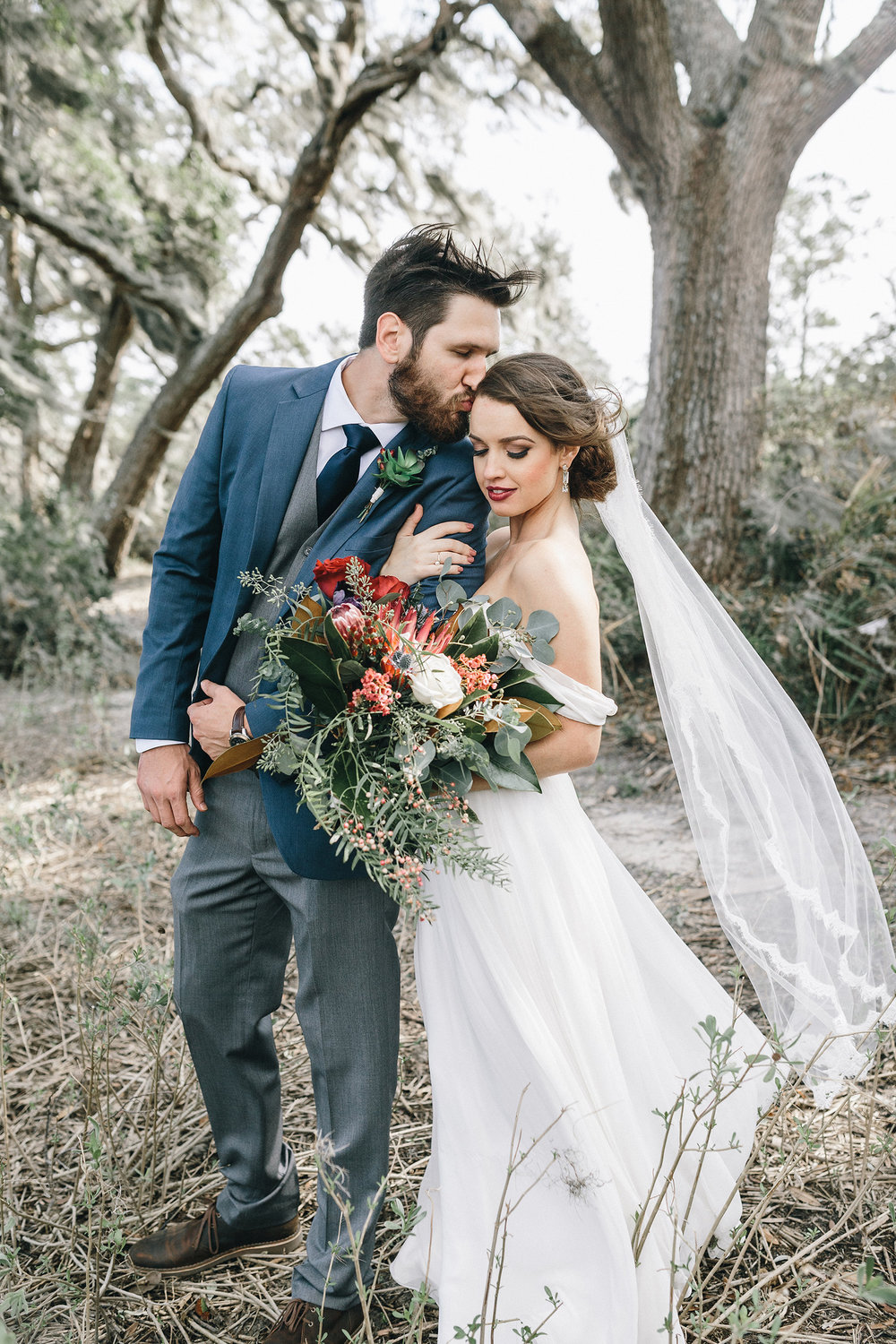 Amy & Timothy's Savannah GA wedding by Mackensey Alexander Photography