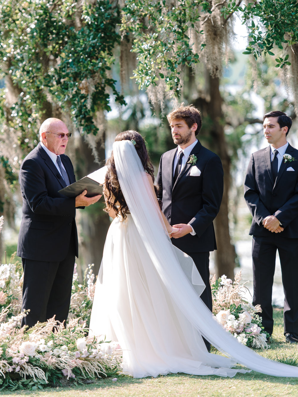 Outdoor wedding ceremony at at Wachesaw Plantation in Murrells Inlet SC  //  Myrtle Beach wedding photos by Pasha Belman Photography