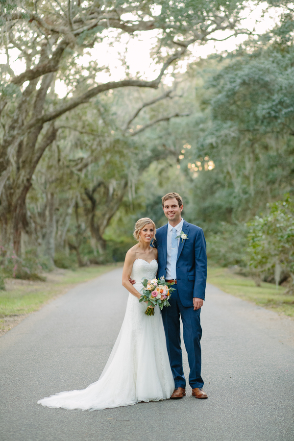 Charleston wedding portraits at Magnolia Plantation and Gardens  //  Photographed by Riverland Studios