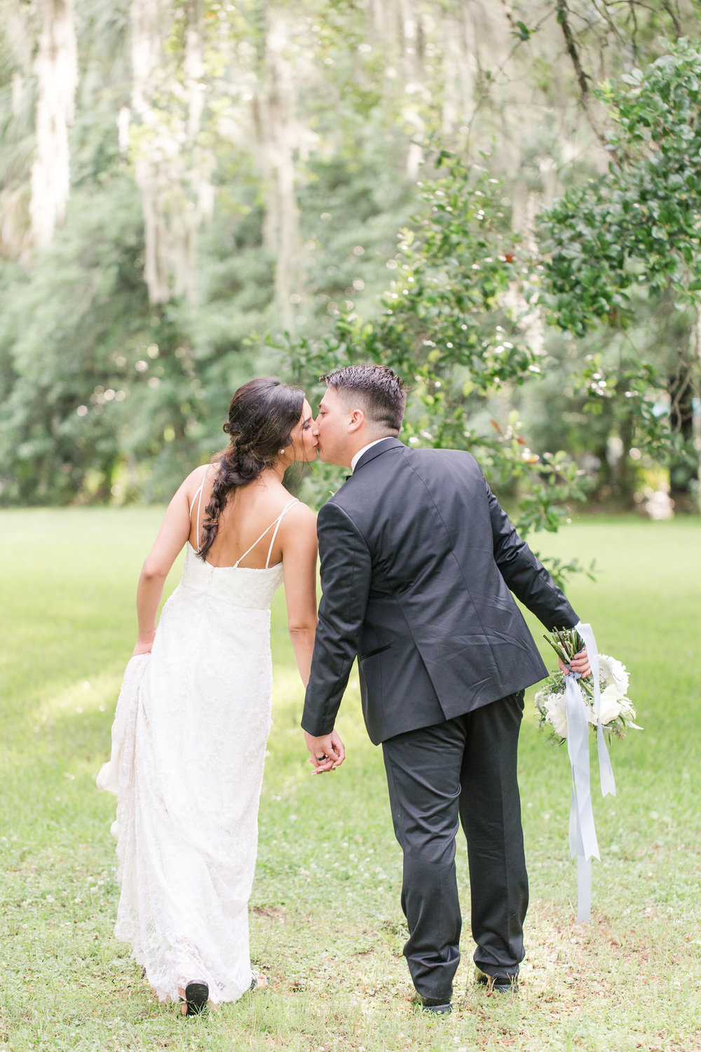 magnolia-plantation-wedding-14(1).jpg